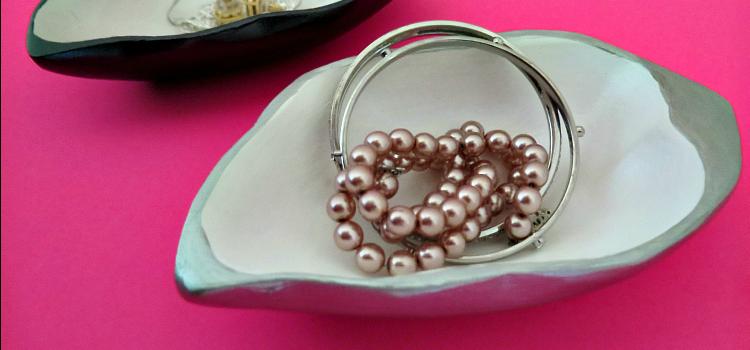 Upcycle Organization // Jewelry Holder